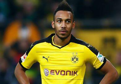 """Aubameyang rămâne la Borussia Dortmund în ciuda """"ofertei"""" de 150 de milioane de euro din partea clubului chinez Shanghai SIPG."""
